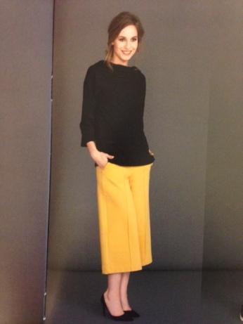 Byxa i härlig gul färg!