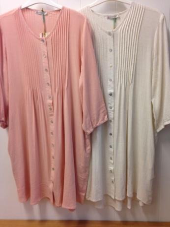 Storskjorta i lin/bomull, ett riktigt användbart plagg!