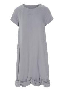 Bitte Kai Rand. Viskosklänning med reglerbar längd!